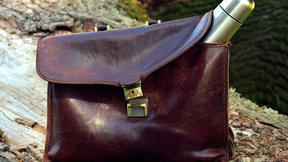 Männerhandtasche - praktisch, oder peinlich? auf konsumguerilla.net